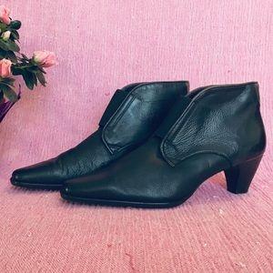 SALE!!! 9.5 Prevata slip on leather boot